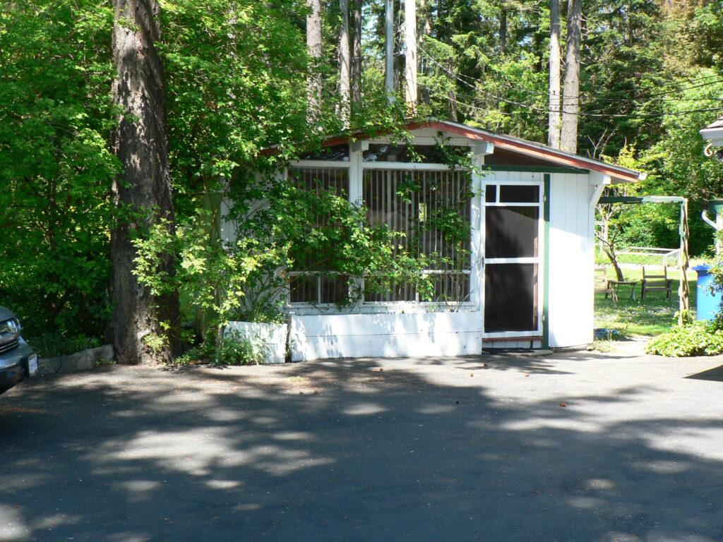 Summer Sleeping Cabin in Ardmore Estate
