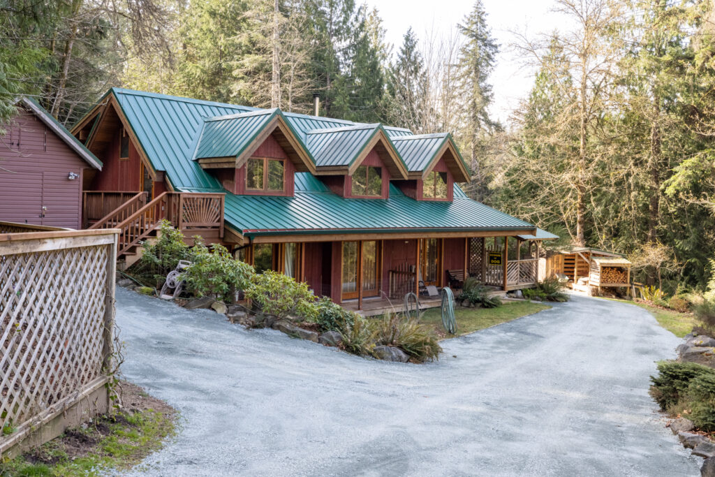 Cufra Trail Rd. Thetis Island~A charming Country Home w/WF Access~PeterNash.caryW