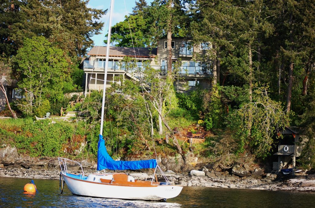 Ideal! Your Boat @ Your Front Door in Deep Cove