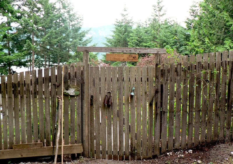 Gate @ Fairweather Rd, Maple Bay