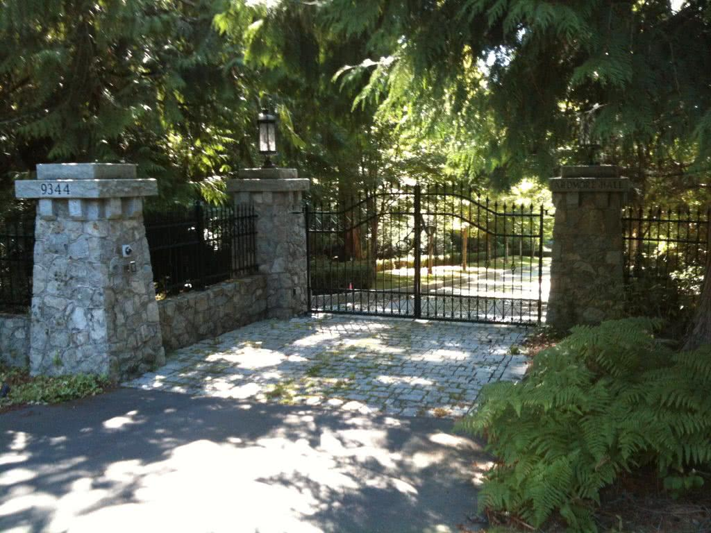 Ardmore Hall Estate Gates