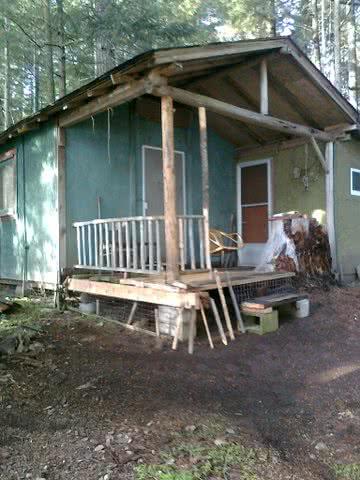 Deferred Maintence Cabin Ladysmith
