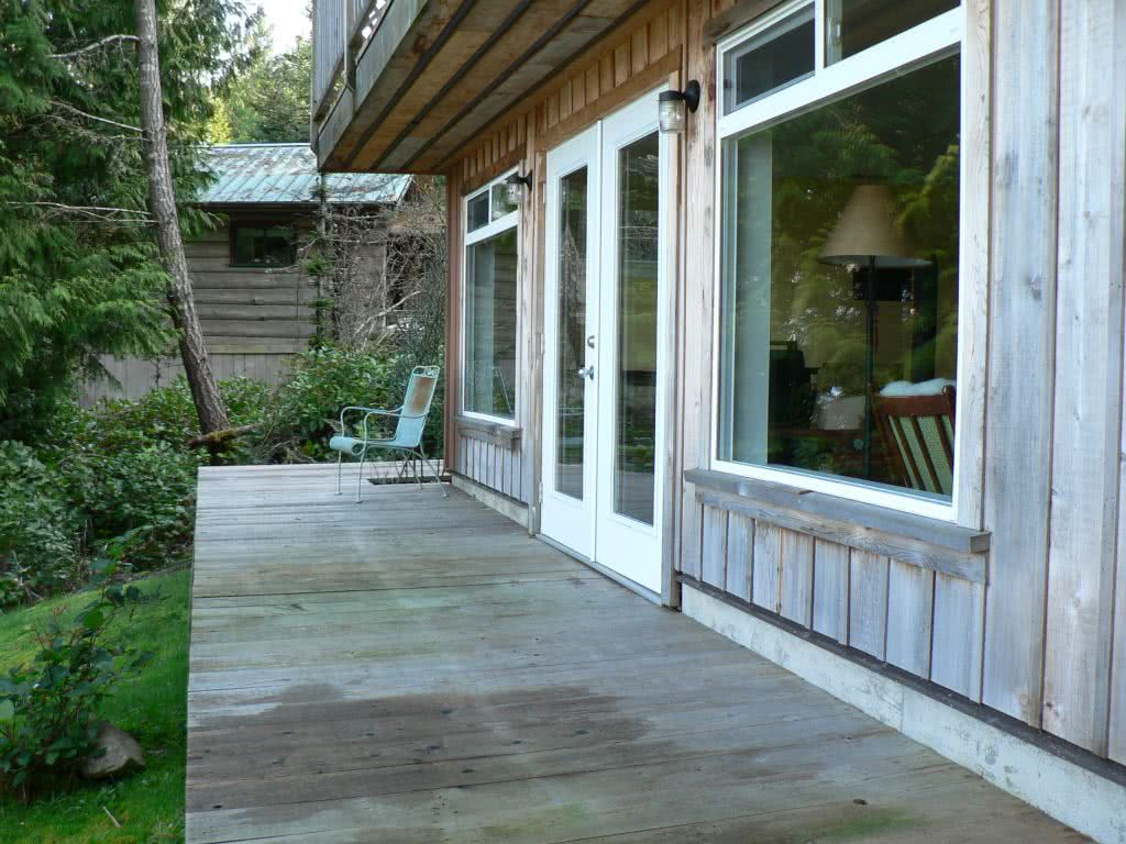 French Doors~Waterfront Retreat Maple Bay