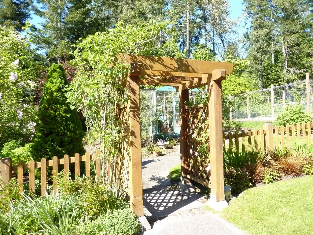 Garden Gate 11046 Chalet Road Deep Cove North Saanich