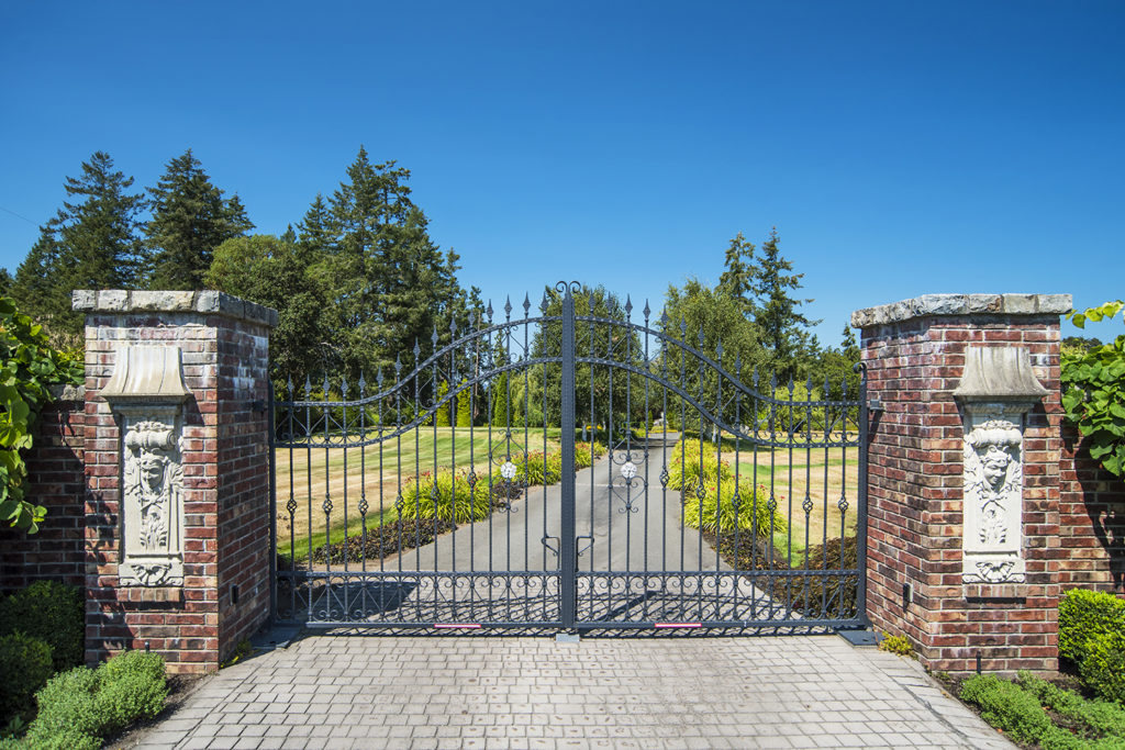 Estate Entrance Gates Chateau de Lis Waterfront Estate