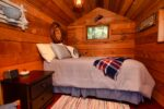 Cozy Sleeping Cabin 49 McKenzie Cr, Piers Is